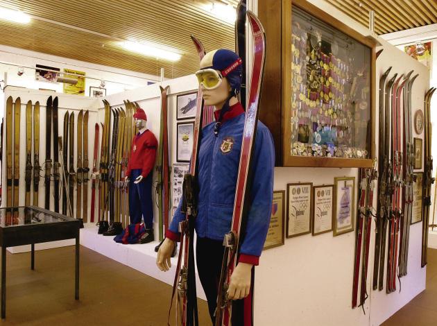 Ski-Sammlung Vaduz:  Kitzbühel gerät zunehmend unter Druck.